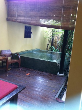 โรงแรมบุรี รสา วิลเลจ:                   Bain privé de notre chambre