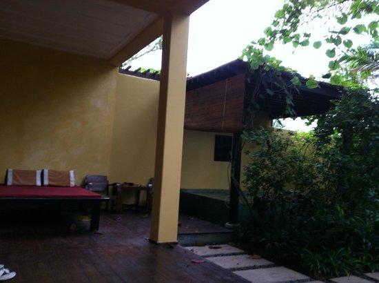 Buri Rasa Village Samui:                   Jardin intérieur de la chambre