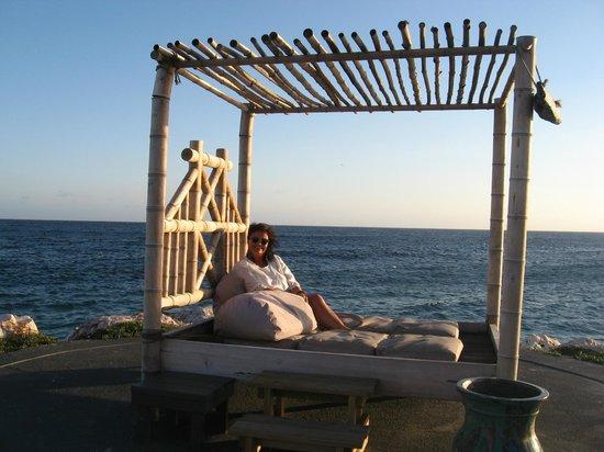 Baoase Luxury Resort:                   me...at sunset place
