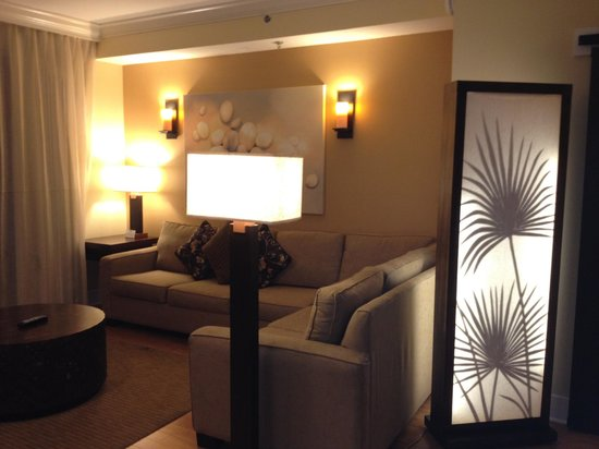 Oasis Lakes Resorts :                   Living room