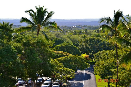 Mauna Lani Bay Hotel & Bungalows:                   Top floor garden view
