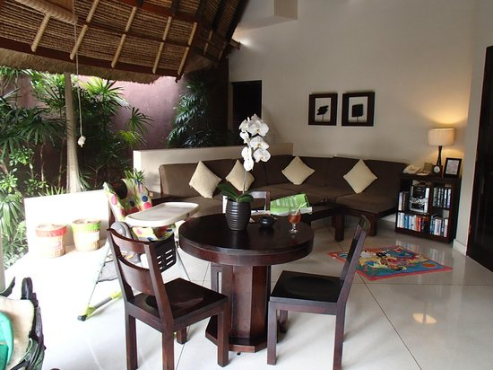 The Dusun:                   dining and lounge area in 1 bed villa