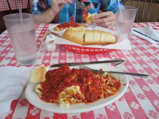 Ferndale Pizza Company:                   Lasagna and Buns