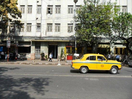Broadway Hotel:                   Street view