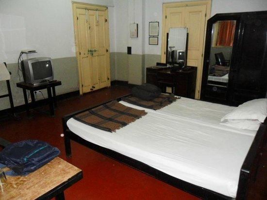 Broadway Hotel:                   Bedroom Room 32
