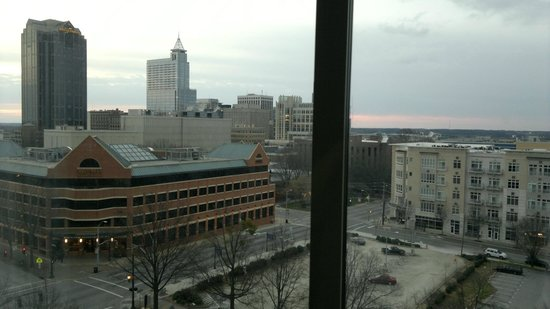 Holiday Inn Raleigh Downtown: View Outside from the Room