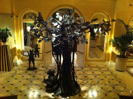 The Marker San Francisco: Tree of Life sculpture in the lobby