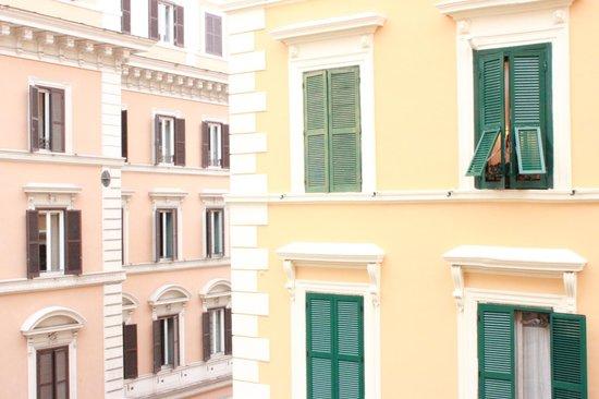 Hotel Ercoli :                   Vista de habitación número 6