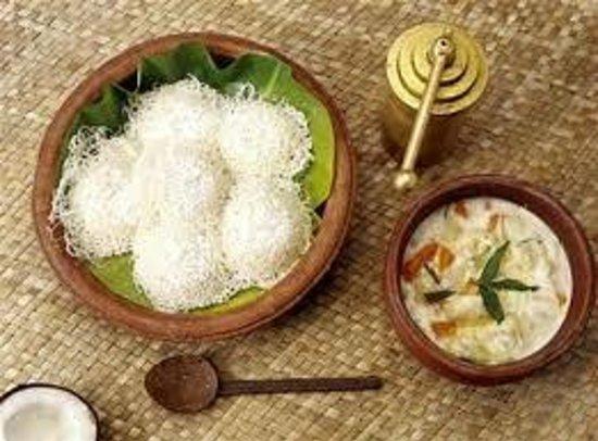 Hotel Juhu Plaza : ediyappam with veg stew
