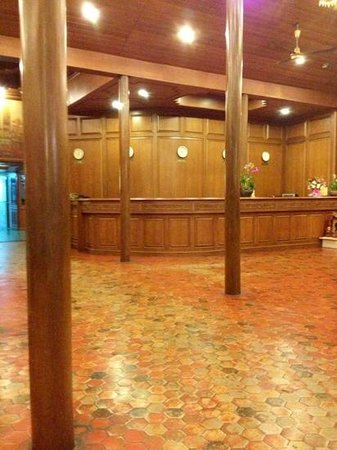 Chang Puak Hotel:                   reception