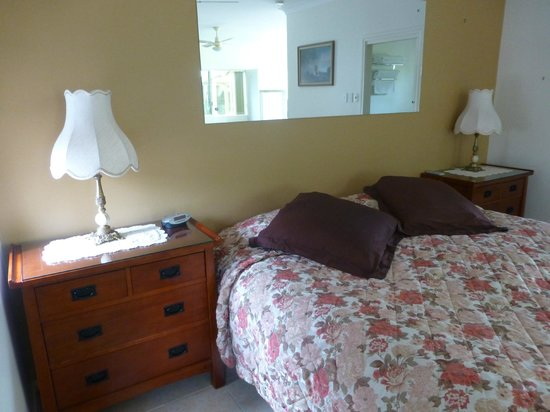 Bonville Lodge Bed and Breakfast: The comfy bed