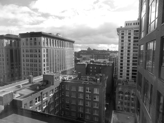 Courtyard Seattle Downtown/Pioneer Square:                   Nice view from 13th Floor