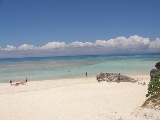 Nishihama Beach:                   穏やかなビーチ