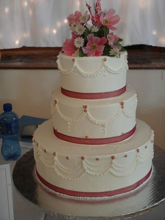 Sample Wedding Cake   Picture of Monroe, Wisconsin   TripAdvisor