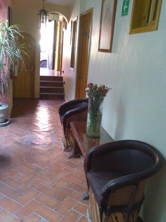 Antigua Casa de Piedra:                   pasillo