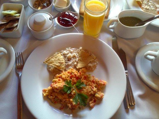 Antigua Casa de Piedra:                   desayuno