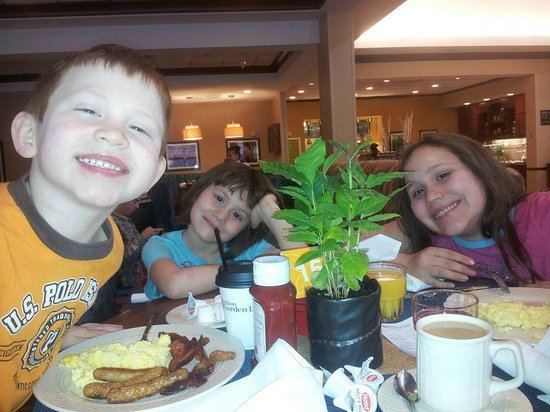 Hilton Garden Inn Chicago O'Hare Airport:                   Great Breakfast!