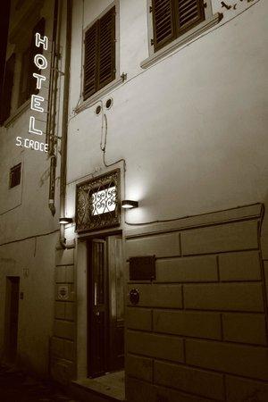 Hotel Santa Croce:                   Anuncio del Hotel