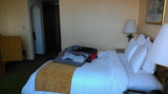 Tegucigalpa Marriott Hotel:                   8th floor room