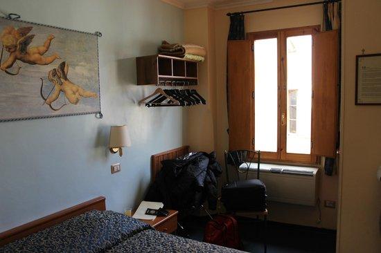 Hotel Santa Croce:                   Detalles de la habitación