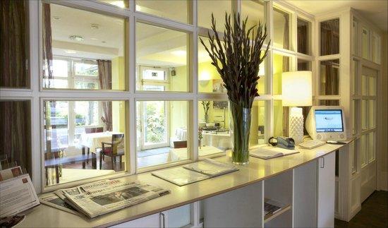 Das Stadthaushotel Altona: Foyer
