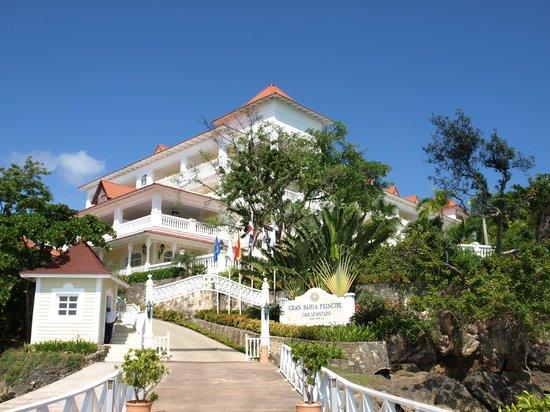 Luxury Bahia Principe Cayo Levantado:                   The main Hotel from the quay