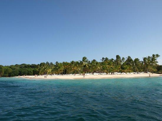 منتجع باهيا برينسيبي كايو ليفانتادو الفاخر - شامل جميع الخدمات/لجميع الب:                   The public beach from the free hotel boat trip                 