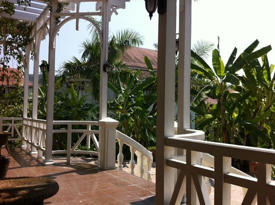 The Luang Say Residence:                   bar terrace