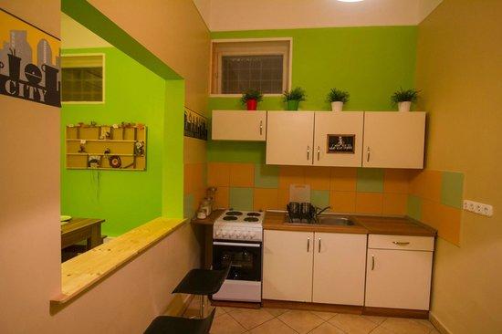 BlackSheep Hostel Budapest : Kitchen