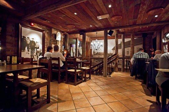 Egon Gjovik: Øverste plan i restauranten