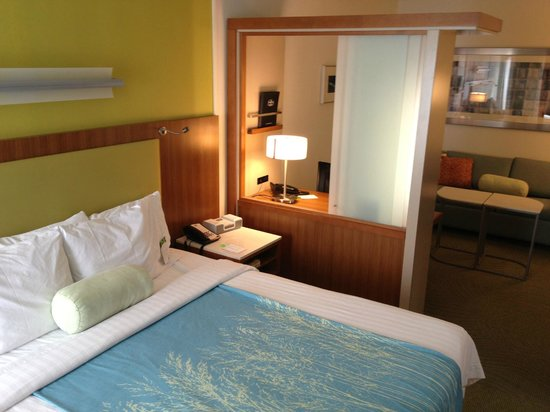 SpringHill Suites McAllen:                   Bed