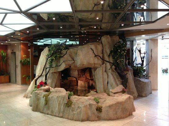 Hotel Tiama :                   reception indoor waterfall