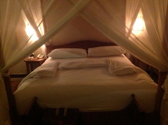 Junjungan Ubud Hotel and Spa: Lit king size