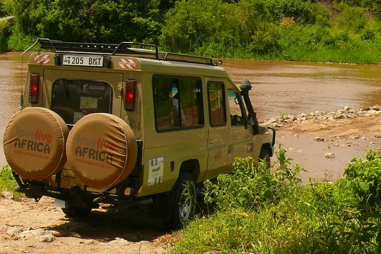 Tarangire River Camp:                   crossover to lodge!