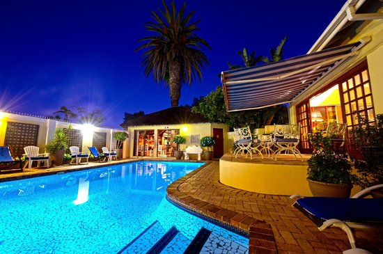 Margate Place Guest House: Our lovely relaxing pool area