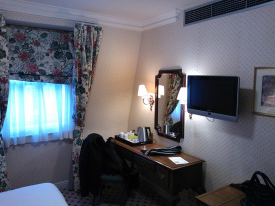 Harrington Hall Hotel: one of the rooms (the suite has two of them)