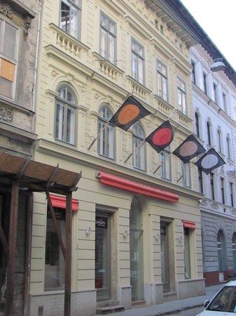Casati Budapest Hotel:                   Hotel