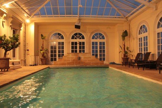 Le Chateau des Moyeux:                   swimming pool