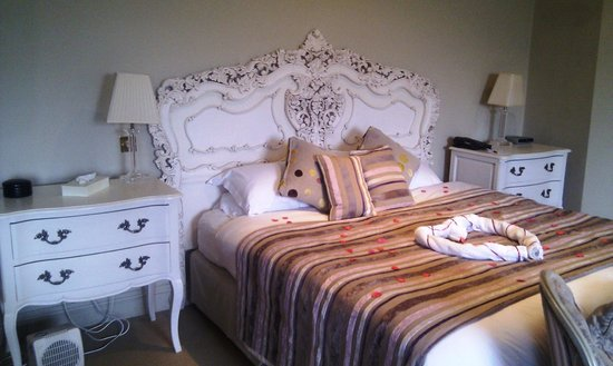 Best Western Plus Mosborough Hall Hotel:                   Lovely bed