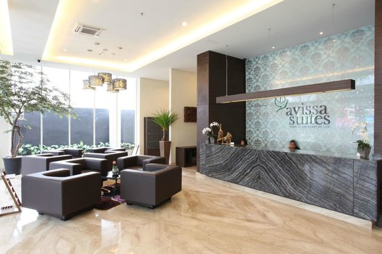 Avissa Suites: Hotel Lobby