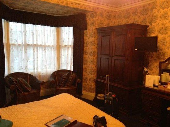 Tal Y Don Hotel:                   Room 1