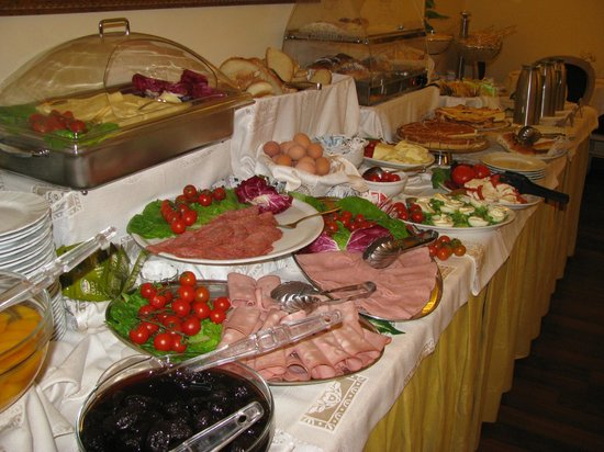 Hotel Sistina:                   Breakfast buffet