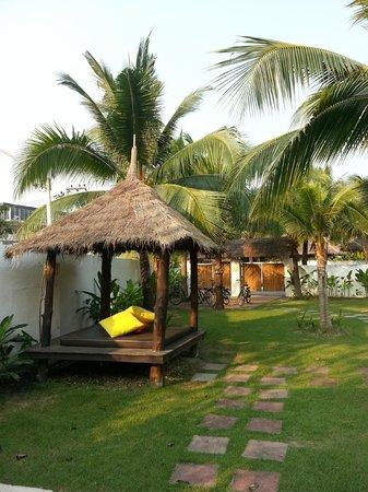 Dhevan Dara Resort & Spa Hotel:                   villa garden