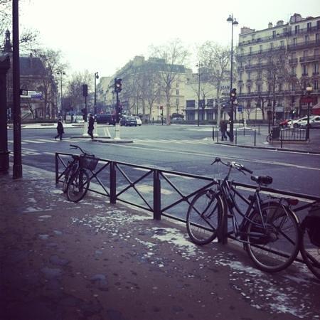 Hipotel Paris Voltaire :                   outside hotel