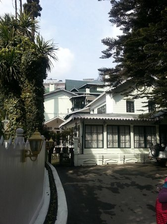 The Elgin, Darjeeling:                   Hotel