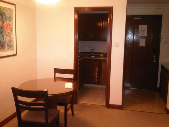 Ambassador Row Hotel Suites by Lanson Place:                   Desk and Kitchen