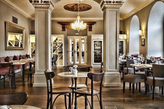 Amade Restaurant & Cafe: New interior