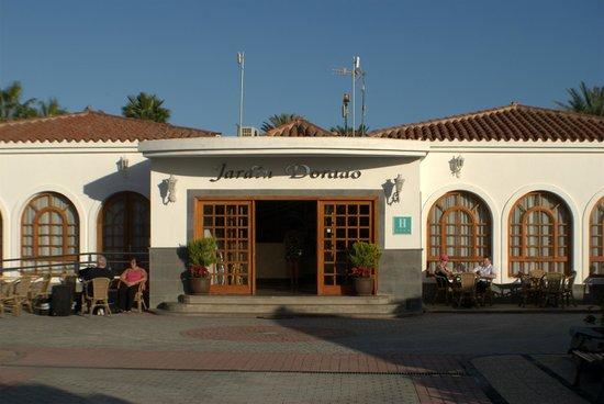 Entrance picture of eo suite hotel jardin dorado for Bungalows jardin dorado