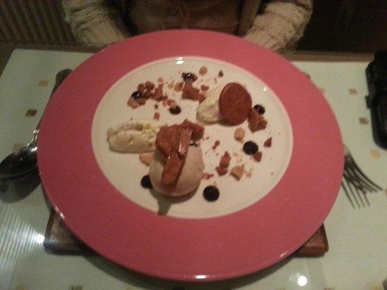 Montparnasse:                   Honeycomb cheesecake, caramelised white chocolate