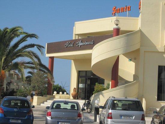 Santa Helena Village: Vista Frontal del Hotel